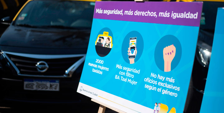 Mujeres taxistas